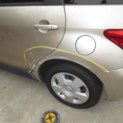 トヨタイスト 左クォーターパネル・リアドア 板金塗装 60,000円