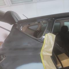ニッサンのムラーノ :傷の修理方法と費用 右サイドウィンドガラス脱着 技術料13,800円