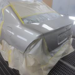 トヨタカローラ トランクパネル板金 17,500円(塗装費用別途)