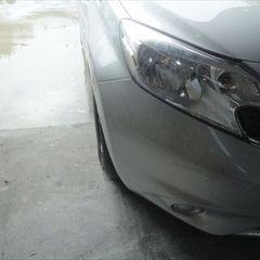 ニッサンのノート DBA-E12 :傷の修理方法と費用 右フロントフェンダ板金塗装・フロントバンパー修理費用 工賃68,000円