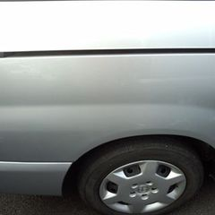 トヨタノア DBA-AZR60G 左リアドア・左ロックピラー・左クオータパネル・右クオータパネル板金塗装、リアバンパー修理費用 総工賃160,000円