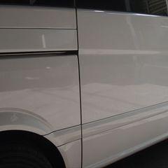 メルセデス・ベンツV ABA-639350 右スライドドア板金塗装・フロントガラスリペア 総工賃125,000円