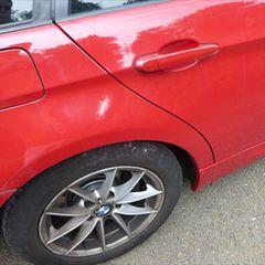 BMWの3シリーズ(ABA-VR20): 左サイドスポイラー修理費用塗装 工賃20,000円