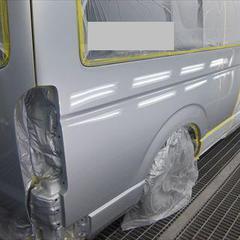 トヨタハイエース CBF-TRH226K 左クオータパネル・右クオータパネル板金塗装、他 総工賃213,000円/リアバンパー・リアコーナー 部品代計24,150円
