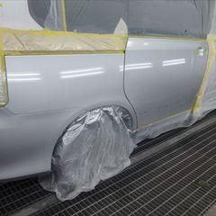 トヨタヴォクシー DBA-ZRR70W 左リアドア・左クオータパネル板金、リアバンパー修理費用、塗装 総工賃135,000円/ガーニッシュ交換 部品代計18,120円