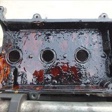 ダイハツのミラジーノ:エンジンオイル漏れを修理