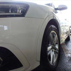 アウディQ3 ABA-8UCPSF 左フロントドア・左フロントフェンダ他交換、フロントバンパー脱着、塗装、他/左フロントドア他交換 〔自動車保険利用〕