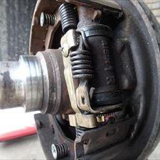 いすゞのエルフ(KK-VKR66K):12カ月点検、車検代行、リアカップキット交換、リアマフラー交換、ガスケット交換など