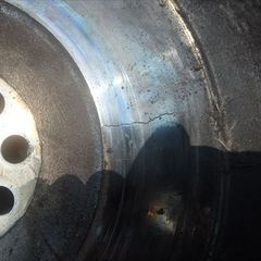 いすゞのエルフ:クラッチディスク交換、クラッチカバー交換、フライホイール(リビルド品)交換、12カ月点検、ファンベルト交換、エアコンベルト交換など