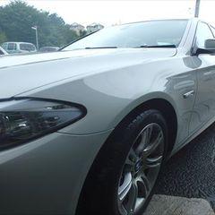BMW5シリーズ(DBA-FR30):左フロントドア 鈑金塗装