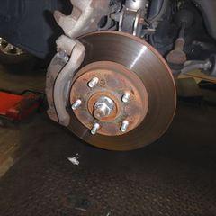 日産のエクストレイル(CBA-NT30):24カ月点検、車検代行、フロントブレーキ(お持込み)交換、リアブレーキパッド(お持込み)交換、リアハブベアリング左右交換、エンジンオイル交換など