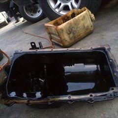 BMWの3シリーズ(E90):エンジンオイルパンガスケットの交換