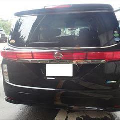 日産のエルグランド(DBA-TE52):フロントバンパー、リアゲート、右リアドアの修理費用、塗装 作業工賃110,000円/合計金額(税込)118,800円