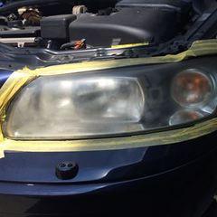 ボルボV70:車検整備に伴うヘッドライト磨き