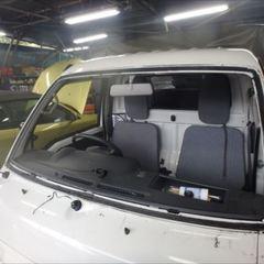 スバルのサンバー(EBD-S201J):フロントガラス交換、ガラスモール交換、ストッパー交換