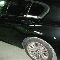 BMW1(DBA-1A16):フロントバンパー他の部品交換 /左クォーター・パネル、左リアドア板金、リアバンパー脱着修理、塗装、他  〔自動車保険利用〕