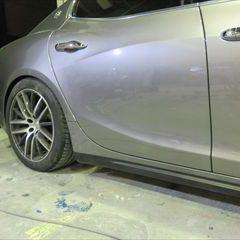 マセラティギブリ(ABA-MG30B):右リアドア板金、右サイドステップ修理費用、塗装 作業工賃150,000円/合計金額(税込)162,000円