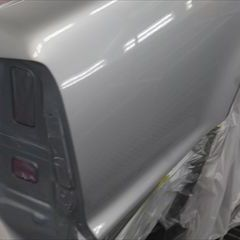 トヨタのプログレ(TA-JCG10):リアバンパー、リアバンパーモール、右テールランプ交換 部品代金66,000円/右クォーター・パネル、バックパネル板金、塗装 140,000円/合計金額(税込)222,480円