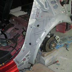 マツダのアテンザ(LDA-GJ2FW):左リアドアボディ、左リアフェンダロワパネル、左リアディスクホイール他の部品交換/左フロントドアボディ他の脱着修理、左サイドシルパネルの板金、塗装など 〔自動車保険利用〕