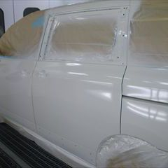 日産のエルグランド(DBA-TNE52):傷の修理方法と費用 左フロントドアモール、左スライドドア他の交換/リアバンパーフェーシア、左リアフェンダ他の脱着修理、板金、塗装など 〔自動車保険利用〕