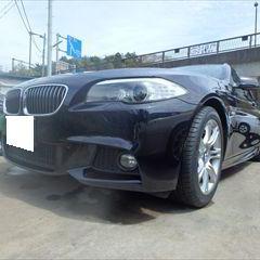 BMWの5シリーズ(DBA-MT25):ウオータポンプ、サーモスタッドなどの交換 部品代金135,580円/フロントバンパー板金塗装、タイヤ交換、24カ月点検、車検代行など