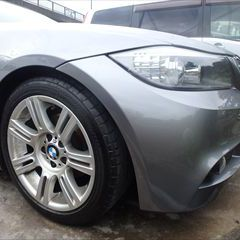 BMWの3シリーズ(LBA-PG20):フロントバンパー修理費用 技術料37,037円(税抜き)