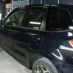 スバルのフォレスター(DBA-SJ5):左リアドアパネル、左リアドアガーニッシュ他の交換/左リアアウタクォータ板金、塗装、他 〔自動車保険利用〕