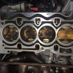 BMWの3シリーズ(ABA-VA20):シリンダヘッドガスケット交換、エンジンオイルパンガスケット交換など