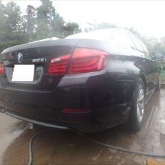 BMWの5シリーズ523i F10:リアバンパー修理費用 作業工賃140,000円(税別)