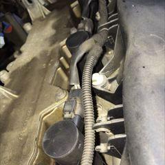 プジョーの307(GH-3EHRFJ):エンジンフロントカバー上下交換、タイミングベルト交換、イグニッションコイル交換など 部品代68,100円/技術料24,000円(税別)