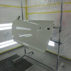 アルファロメオのミト(ABA-955143):左フロントドアパネル、左クォーターパネル他の交換、左ロッカアウタパネル、左クォーターホイールハウスアウタパネル板金、リアバンパー他の脱着修理、塗装