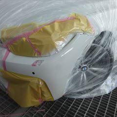 BMWの4シリーズ(DBA-3R30):フロントバンパー修理、塗装 作業工賃60,000円/合計金額(税込)64,800円
