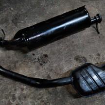 ランドローバーのレンジローバー(E-LP42D):マフラー異音修理費用、セカンドマフラー修理費用、リアマフラーサイレンサー修理費用 技術料80,000円(税別)