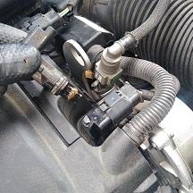 プジョーの207(ABA-A75F01):エンジンヘッドカバーパッキン、フロントブレーキパッド他の交換、24カ月点検、車検代行