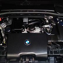 BMWの1シリーズ(ABA-UD20):オイル漏れ修理、オイルエレメント、ヘッドカバーパッキンなどの交換 部品代23,480円/技術料31,000円(税別)