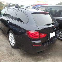 BMWの5シリーズ(DBA-MT25):左リアドア、左クォーターパネル板金、塗装 作業工賃120,000円/合計金額(税込)129,600円