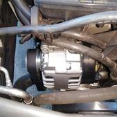 アウディのA3(ABA-8PCDA):エンジン不動診断、エンジン不動修理、オルタネータ、ファンベルト交換 部品代80,600円/技術料28,000円(税別)