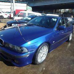 BMWの5シリーズ(GH-DT25):フロントフェンダーモール、フロントドアモール他の交換 部品代金45,400円/左リドア、左クォーターパネル板金、塗装