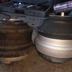 メルセデスベンツのE350(DBA-211056C):オイル漏れ修理、エンジン振動異常修理、エンジンマウント交換、ミッションマウント交換、24カ月点検、車検代行