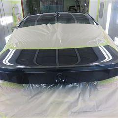 BMWの320i(DBA-3B20):トランク板金塗装 作業工賃75,000円/合計金額(税込み)81,000円