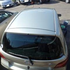トヨタのヴィッツ(UA-NCP10):エンブレム、ドアアウターハンドル交換、ボンネット、ルーフ、左右ルーフサイド、リアゲート塗装など