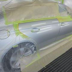 メルセデス・ベンツのCLSクラス(DBA-219356C):右リアドア板金、塗装 作業工賃115,000円/合計金額(税込)124,200円