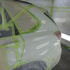 BMWのX5(LDA-KS30):エンブレム交換 部品代金9,920円/左フロントドア、左クォーターパネル板金、塗装 作業工賃200,000円/合計金額(税込)226,714円