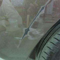 ルノーのカングー(ABA-KWK4M):右クォーターパネル板金、リアバンパー修理、塗装 作業工賃115,000円/合計金額(税込)124,200円