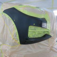 BMWの3シリーズ(DBA-8X20):フロントバンパー修理、塗装 作業工賃45,000円/合計金額(税込)48,600円