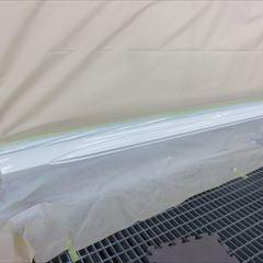 メルセデスベンツのEクラスワゴン(RBA-212236C):右サイドスポイラー修理、塗装 作業工賃50,000円/合計金額(税込)54,000円