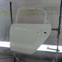 フォルクスワーゲンのポロ(DBA-6RCBZ):右リアドア、左リアドアベルトモール交換 左クォーターパネル、ロッカーパネル板金 塗装