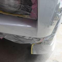 BMWの5シリーズ(DBA-XG20):フロントバンパー修理、塗装 作業工賃70,000円/合計金額(税込)75,600円