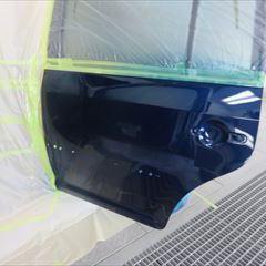 フォルクスワーゲンのゴルフトゥーラン(ABA-1TBLG):左リアドア、左ロッカーパネル板金、リアバンパー、テールランプ脱着、塗装、リアドアモール他の交換など