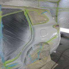 三菱のアウトランダーPHEV(GG2W-0302680):左フロントドア、左リアドア、左クォーターパネル、フェンダーのエンブレム、塗装 合計金額(税込み)179,010円